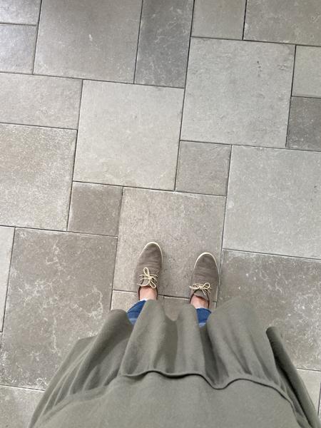 neutral porcelain floor tile