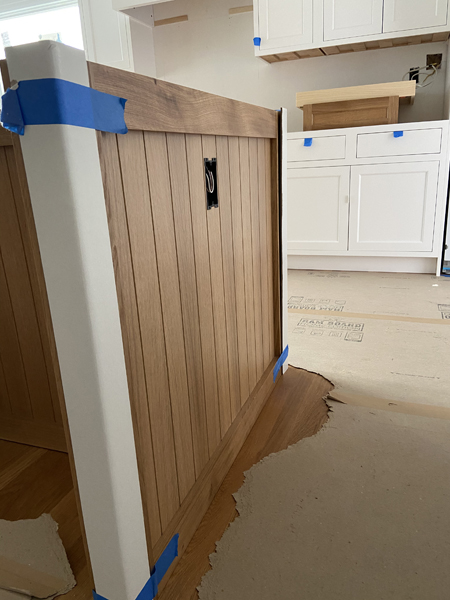plank detail on white oak cabinets