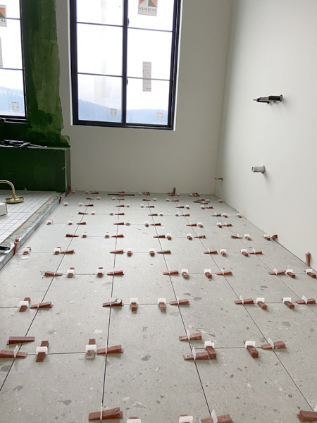 tile installation spacing